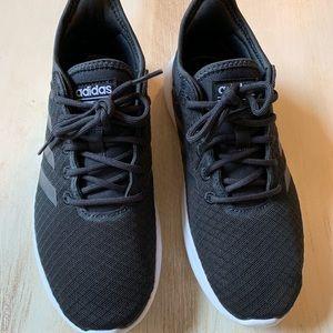 Women's Adidas Cloudfoam tennis shoes
